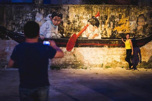 1544989 604860352900407 723778188 n2 500x333 Video & Snapshots Ernest Zacharevic Art Is Rubbish Penang in videos images media street art genres art event photos painting genres malaysia installations genres found objects genres exhibitions
