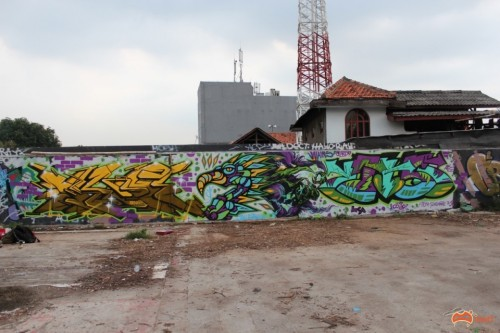 IMG 9647 Custom 500x333 Feature Jakarta Graffiti Travel Tales in street art genres art event photos paintups urban art indonesia graffiti genres editorial